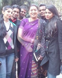 all_students_with_bjp_leader_mrs_smriti_irani