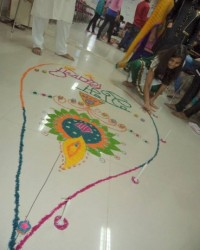 beautiful_rangoli_on_the_way.