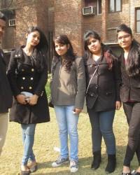 bmc_student_gaurav,harshita,rashi,pooja_along_with_bharti_pandey_manageracademics_left