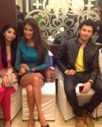 bmc_student_vardhan_,nazma_and_komal_with_yaariyan_cast.