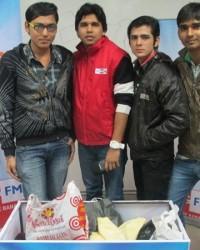 bmc_students_deepanshu_shukla_,_ajay_mandal_and_shubham_agnohotri_with_rj_gaurav_kumar.