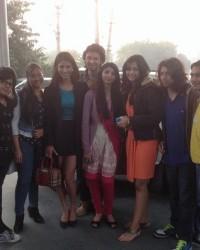 himcom_students_with_star_cast_of_movie_yaariyan.