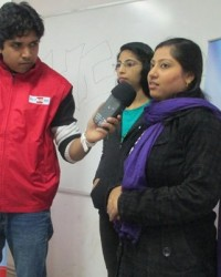 rj_gaurav_kumar_interacting_with_students.